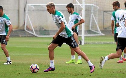 Jonas Martín había entrenado parcialmente tras el golpe sufrido en la rodilla.