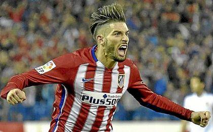 Carrasco disputó 43 partidos oficiales la pasada campaña y anotó cinco goles.