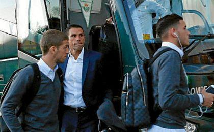 Poyet, en su llegada a El Sadar.