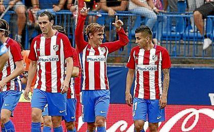 Griezmann celebra un gol en el Vicente Calderón.