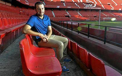 Diego Martínez, técnico del Sevilla Atlético, durante la entrevista a ESTADIO.