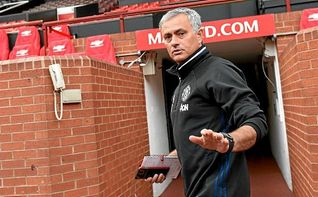 Mourinho asegura que su vida en Manchester �es un poco desastre�
