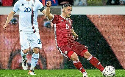 Durmisi en un partido ante Islandia.