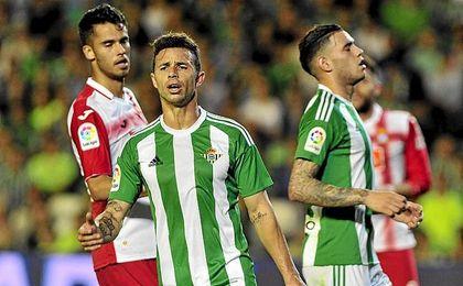 En la izquierda o arriba, Rubén no está viendo portería.
