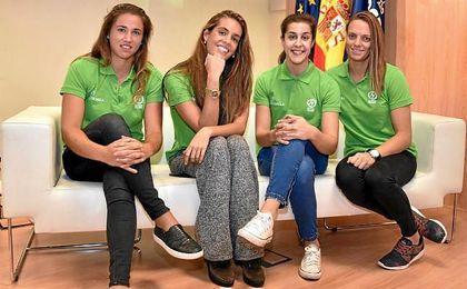 Sara Sorribes, Ona Carbonell, Carolina Marín y Jennifer Pareja, embajadoras de Universo.