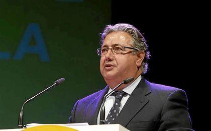 Zoido ha sido diputado en la XI y XII legislaturas.