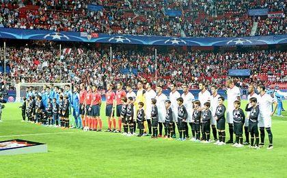 Imagen de antes del comienzo del partido entre el Sevilla y el Dinamo Zagreb.