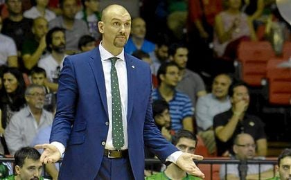 El técnico croata no quiere que su equipo se descentre pensando en los playoff.