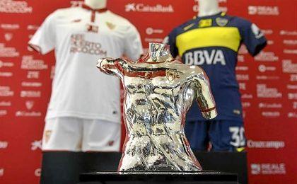 Imagen del VIII Trofeo Antonio Puerta que disputan Sevilla y Boca Juniors.