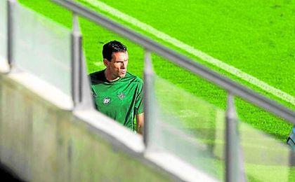 De confirmarse el plan existente, Poyet podría no volver a pisar ya las instalaciones béticas como técnico del Betis.