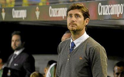Víctor debutaba ayer como técnico del Betis.