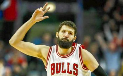 Mirotic, con sus Chicago Bulls, se impuso en casa de los Philadelphia Sixers.