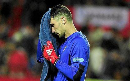 Sergio Rico salvó el partido.