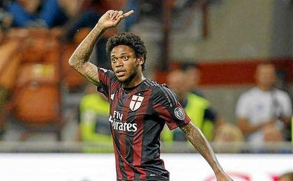 Luiz Adriano sólo ha jugado 84 minutos este curso en el Milan, al que llegó el verano de 2015.