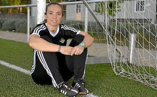María Pry: ´Esperamos conseguir la primera victoria en casa´