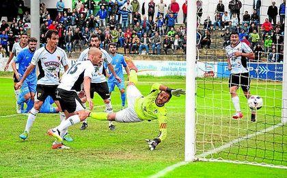 Marcos Contreras, en el partido contra el Tudelano.