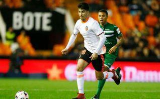 Carlos Soler se incorpora a la primera plantilla del Valencia