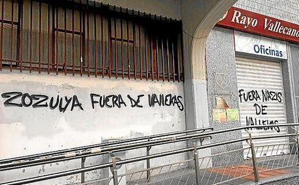 Pintadas en el Estadio de Vallecas.
