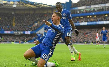 El Chelsea se queda a un paso de la Premier tras golear al Arsenal