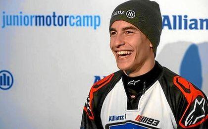 El piloto español muestra su pasión por las motos.