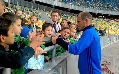 Salenko sale en defensa de Zozulya