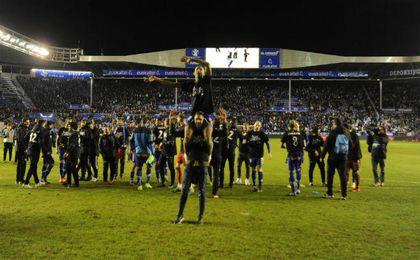 Los jugadores del conjunto vitoriano celebrando su pase a la final de Copa. UESyndication.