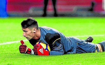 Sergio Rico volvió a ser determinante en la victoria del Sevilla.