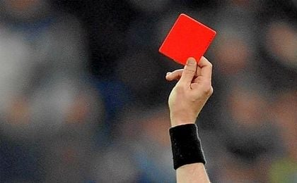 Sancionado con 47 partidos por pegarle a un árbitro en Cádiz