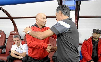 Sampaoli y Mendilibar, en el partido de Ipurua.