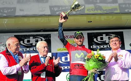 Valverde volvió a enfundarse el jersey rojo de líder.