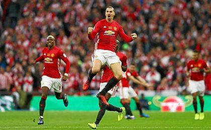 Ibrahimovic da al United de Mourinho su quinta Capital One Cup