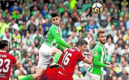 Los de Nervión han ganado siete de los últimos ocho derbis, en los que sólo han encajado un gol, el del pasado sábado de Durmisi.