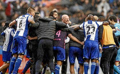 Pepe Mel, celebrando el triunfo ante el Barcelona.