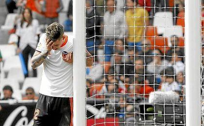 El Valencia cumple años sumergido en una crisis deportiva.