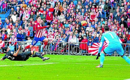 El Sevilla de Unai Emery logró amarrar un punto en su última salida al Calderón, encuentro en el que acabó con diez jugadores.