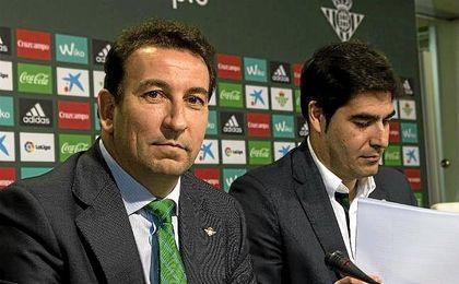 López Catalán, durante la comparecencia junto a Haro.