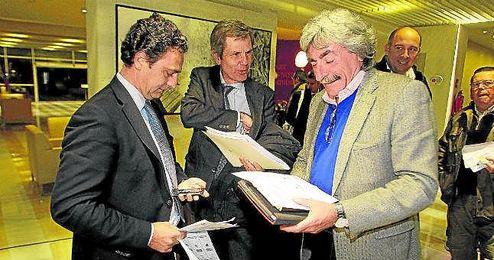 Emilio Soto critica el acuerdo.