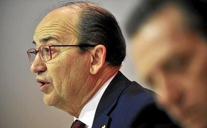 José Castro, presidente del Sevilla, en una comparecencia.
