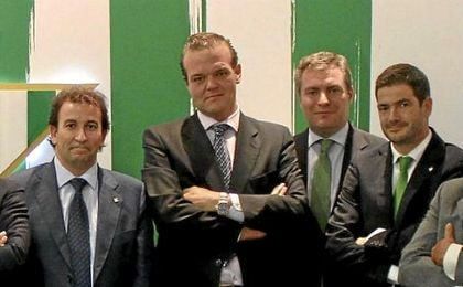 Rafael Salas, en la imagen junto a López Catalán, quiere ser alternativa a Haro.