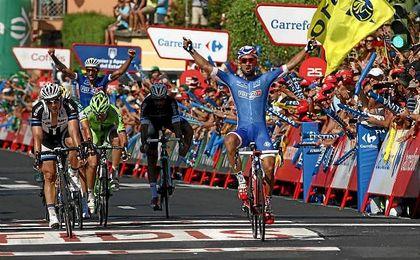 Caja Rural, Manzana Postobón, Cofidis y Aqua Blue, invitados para La Vuelta