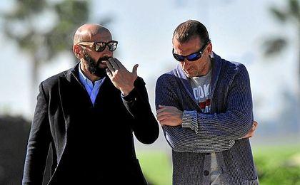 Arias, con Monchi, en el entrenamiento de este miércoles.