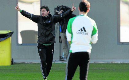 Víctor planea dar continuidad al once que ganó ante Osasuna la pasada jornada.