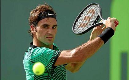 """Federer y Kyrgios pasan a """"semis"""" en Miami"""