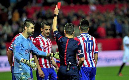Bernardo fue expulsado en el último Sevilla-Sporting.