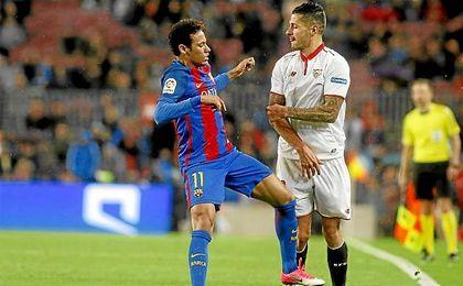 Neymar desesperó al canario en el Camp Nou.