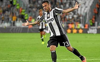 Alves sigue acordándose del Barcelona.