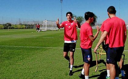Carlos Fernández vuelve a entrenarse con el grupo.