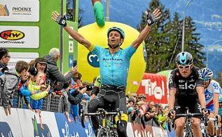 Scarponi, primer líder del Tour de los Alpes