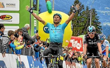 Scarponi es líder en el Tour de los Alpes.