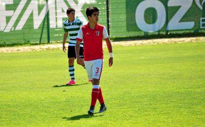 Guilherme Soares, central del juvenil del Braga al que sigue el Sevilla.